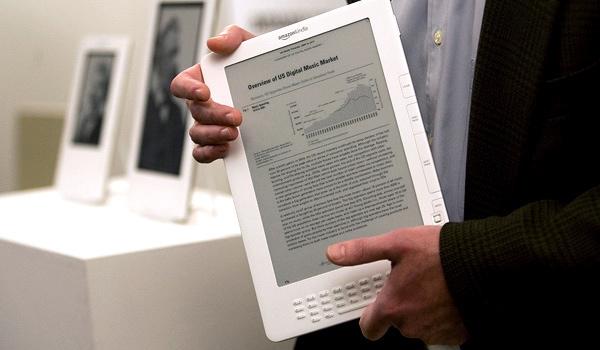 Barnes & Noble baja el precio de su Backlit Nook para competir con Amazon