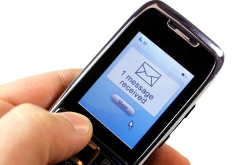 Multan a Vodafone, Orange y Telefónica por el alto precio de los SMS