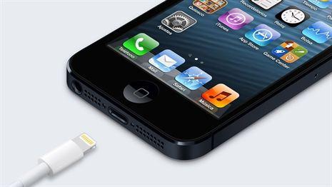 """Apple repara el error que permite """"hackear"""" el iPhone con un cargador"""