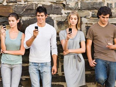 Nueve de cada diez niños mayores de 15 años tienen smartphone en España